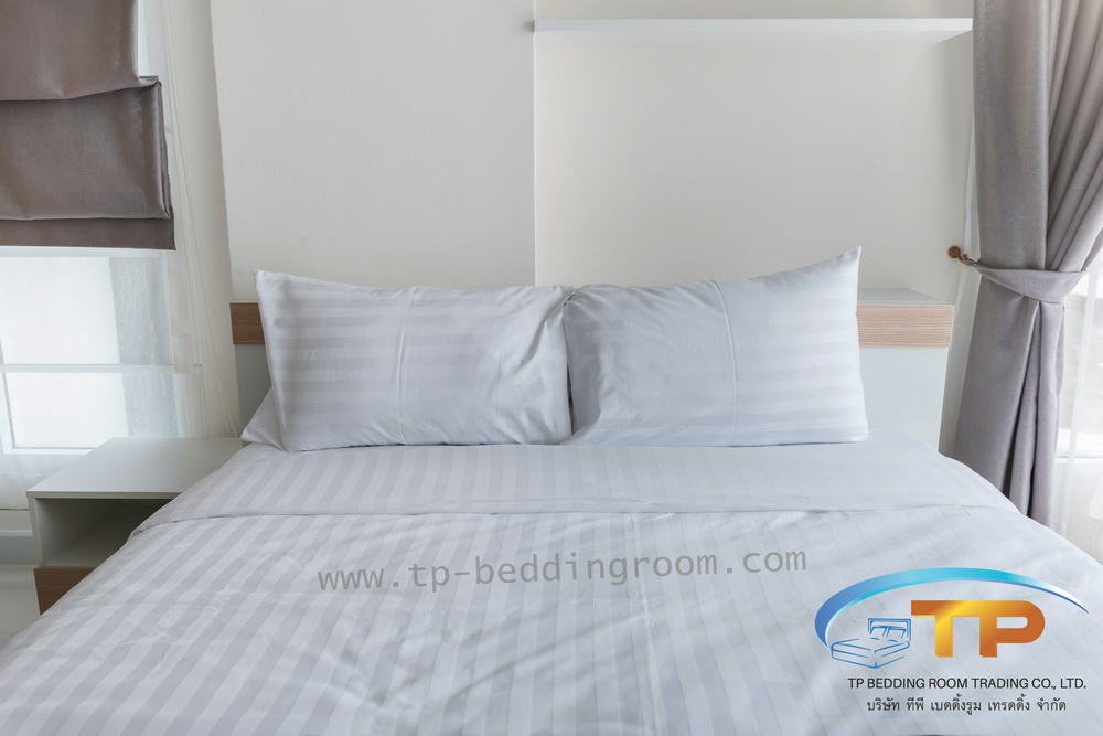 ชุดผ้าปูที่นอนโรงแรมลายริ้วสีขาวขนาด 6 ฟุต