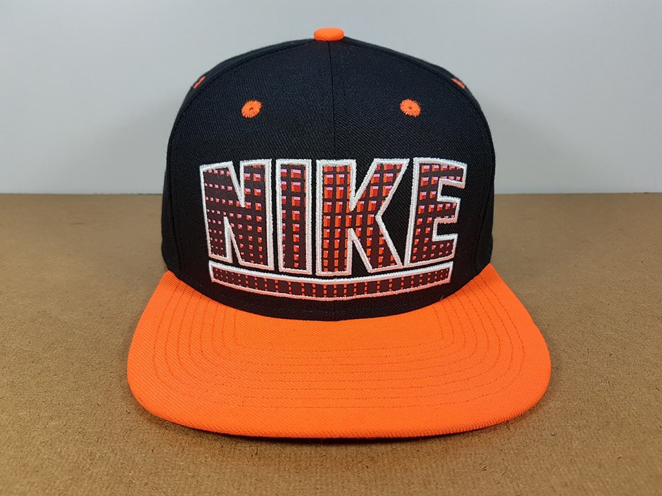 NIKE สีดำส้ม ฟรีไซส์ Snapback