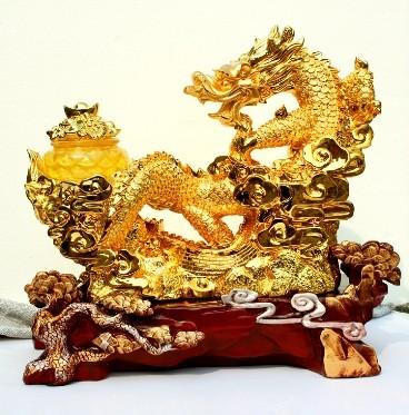 มังกรมงคลล้อกระถางทองฐานไม้นำโชค เสริมบารมีวาสนา