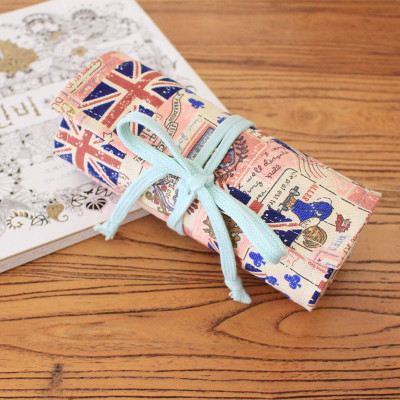 Pencil Wrap กระเป๋าม้วนใส่สีไม้ สูงสุด 72 ช่อง ผ้าแคนวาส ลายธงชมพู