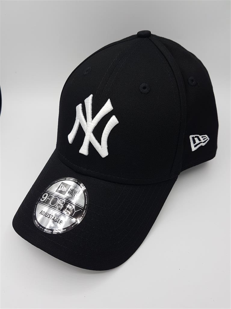 New Era MLB NY Yankees รุ่น 9FORTY (สายเข็มขัด) สีดำ Black