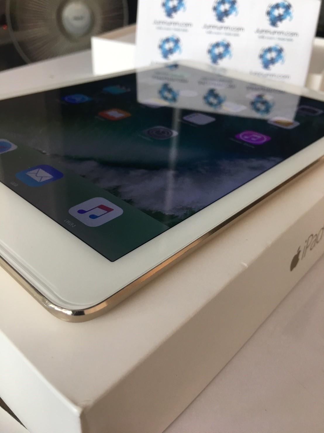 JMM 09 - IPad Air 2 32GB Wifi Gold สภาพนางฟ้า ราคา 11,500 บาท ประกันเหลือถึง มิ.ย 60