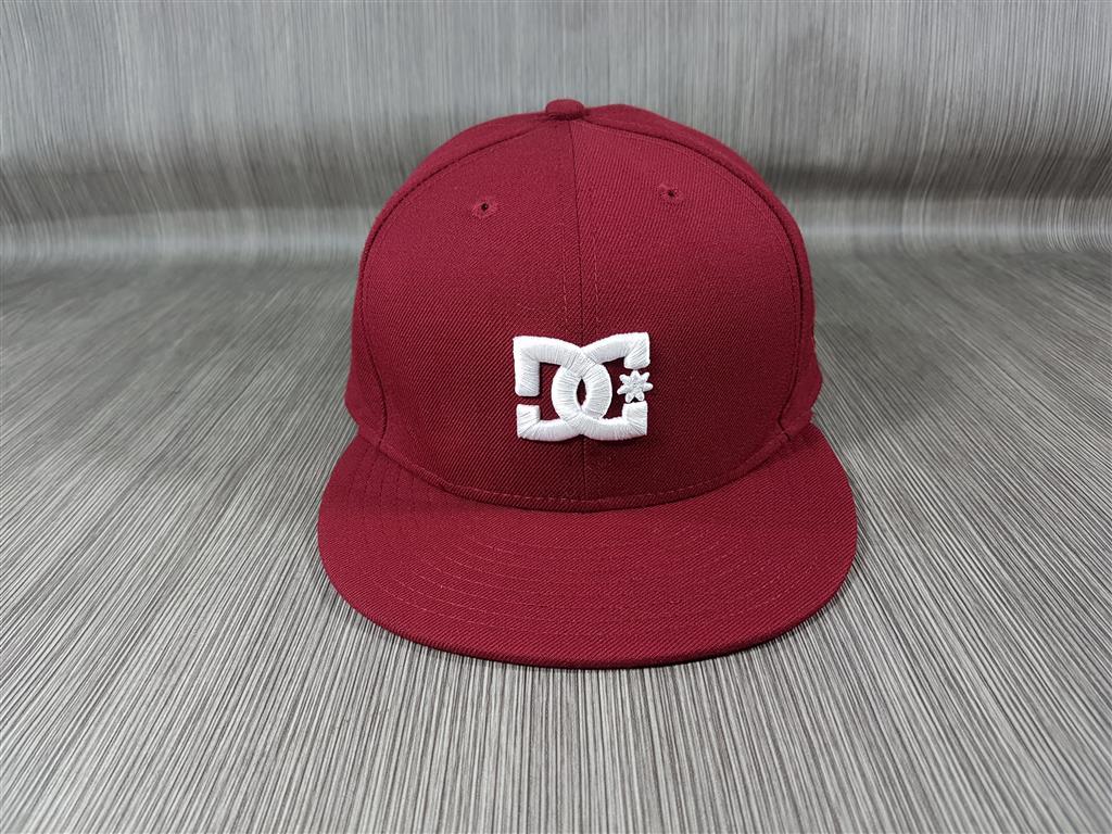 หมวก New Era x DC Shoes สีเลือดหมู ไซส์ 7 1/2 59.6cm
