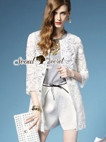 Chic Ivory Outer Bloom Diamond Buttons