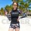 CASSA ชุดว่ายน้ำ ชุดว่ายน้ำผู้หญิง ชุดว่ายน้ำผู้หญิงเซ็ต 2 ชิิ้น กางเกงขาสั้น+ เสื้อแขนยาว (สีดำ ลาย XO) thumbnail 3